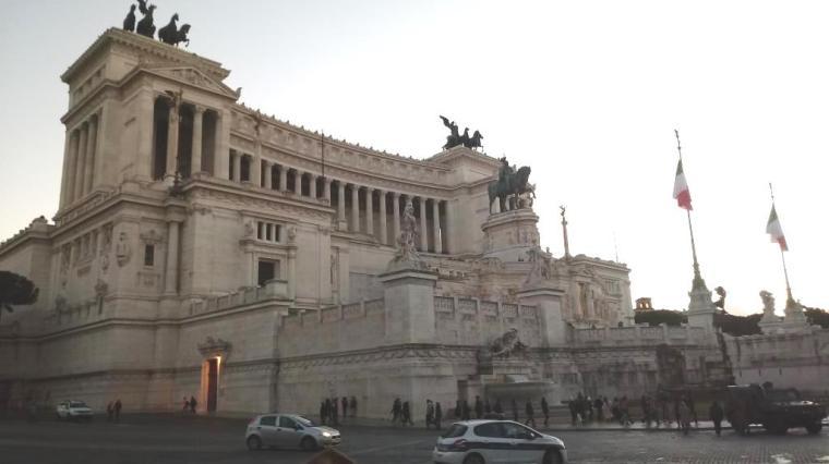 Roma - Dani Santoro - Altar da Patria